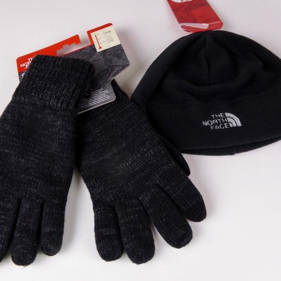 6ec699151 North Face Fleece Beanie & E-Tip Wool Gloves Set NWT